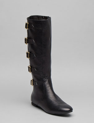 Matiko flat boots in black with buckles